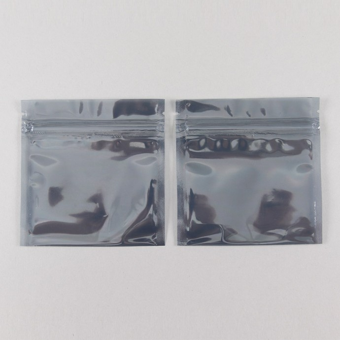 "4"" x 4"" OD Smoky Gray Pouch with ZipSeal; (1,000/case) - 04PSK04OZE"